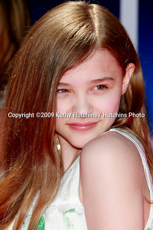 """Chloe Moretz at the unvieling of his new Whalescape at the """"Earth"""" World Premiere.at the El Capitan Theatre.April 18, 2009 - Hollywood, California.©2009 Kathy Hutchins / Hutchins Photo....                ."""