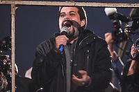 SÃO PAULO,SP, 10.06.2016 - PROTESTO-SP - Emídio Pereira de Souza presidente estadual São Paulo do Partido dos Trabalhadores durante ato  ligados à diversos movimentos sociais, culturais e centrais sindicais participam do ato 'Fora Temer, Não ao Golpe, Nenhum Direito a Menos!', na Avenida Paulista, centro de São Paulo, nesta sexta-feira. O protesto faz parte da mobilização nacional contra o presidente em exercício, Michel Temer (PMDB). (Foto: Vanessa Carvalho/Brazil Photo Press)