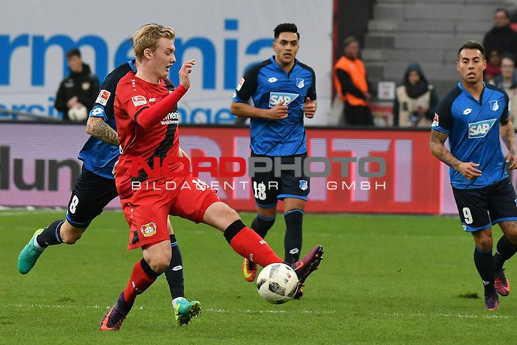 22.10.2016, BAYARENA, Leverkusen, GER, 1.FBL., Bayer 04 Leverkusen vs. TSG 1899 Hoffenheim  <br /> <br /> im Bild / picture shows: <br /> Julian Brandt (Leverkusen #19), am Ball <br /> <br /> <br /> <br /> Foto &copy; nordphoto / Meuter