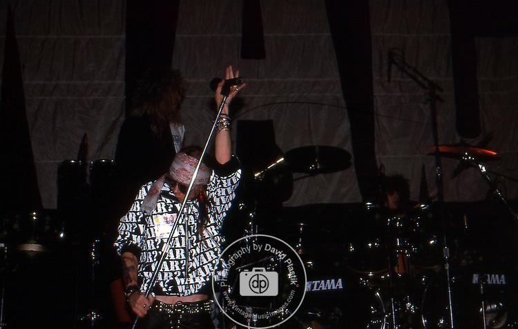 Guns-N-Roses-383.jpg