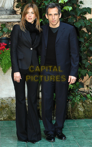 JENNIFER ANISTON & BEN STILLER.Along Came Polly photocall in Rome.16 February 2004.full length, full-length.www.capitalpictures.com.sales@capitalpictures.com.© Capital Pictures.