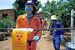 Área contaminada por Césio 137 em acidente nuclear. Goiânia. Goiás. 1987. Foto de Salomon Cytrynowicz.