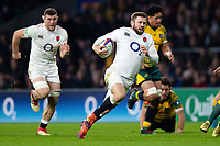 Elliot Daly of England runs in a second half try. Quilter International match between England and Australia on November 24, 2018 at Twickenham Stadium in London, England. Photo by: Patrick Khachfe / Onside Images