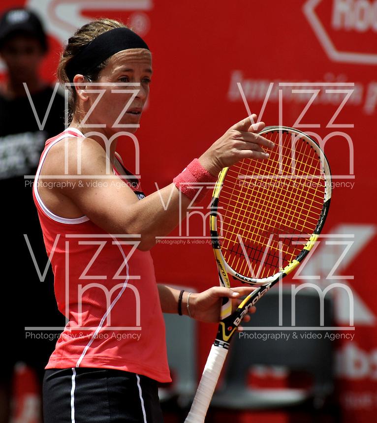 BOGOTA - COLOMBIA - FEBRERO 19: Lourdes Dominguez Lino de España, en acción durante partido por la Copa de Tenis WTA Bogotá, febrero 19 de 2013. (Foto: VizzorImage / Luis Ramírez / Staff). Lourdes Dominguez Lino from España in action during a match for the WTA Bogota Tennis Cup, on February 19, 2013, in Bogota, Colombia. (Photo: VizzorImage / Luis Ramirez / Staff)