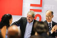 SAO PAULO, SP, 27 FEVEREIRO 2013 - 30 ANOS CUT -  O ex-presidente da República, Luiz Inácio Lula da Silva, durante o evento de comemoração dos 30 anos da Central Única dos Trabalhadores (CUT), realizado no Novotel Jaraguá, no centro de São Paulo, na manhã desta quarta- feira (27). (FOTO: WILLIAM VOLCOV / BRAZIL PHOTO PRESS).