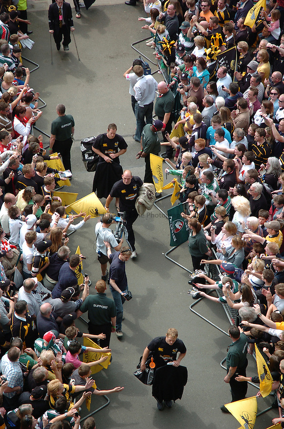 Photo: Tony Oudot/Richard Lane Photography. .Leicester Tigers v London Wasps. Guinness Premiership Final. 31/05/2008. .Lawrence Dallaglio of Wasps arrives at the match.