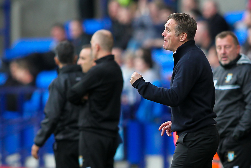 Bolton Wanderers' manager Phil Parkinson urges his players on<br /> <br /> Photographer Andrew Kearns/CameraSport<br /> <br /> The EFL Sky Bet Championship - Bolton Wanderers v Sheffield Wednesday - Saturday 14th October 2017 - Macron Stadium - Bolton<br /> <br /> World Copyright &copy; 2017 CameraSport. All rights reserved. 43 Linden Ave. Countesthorpe. Leicester. England. LE8 5PG - Tel: +44 (0) 116 277 4147 - admin@camerasport.com - www.camerasport.com