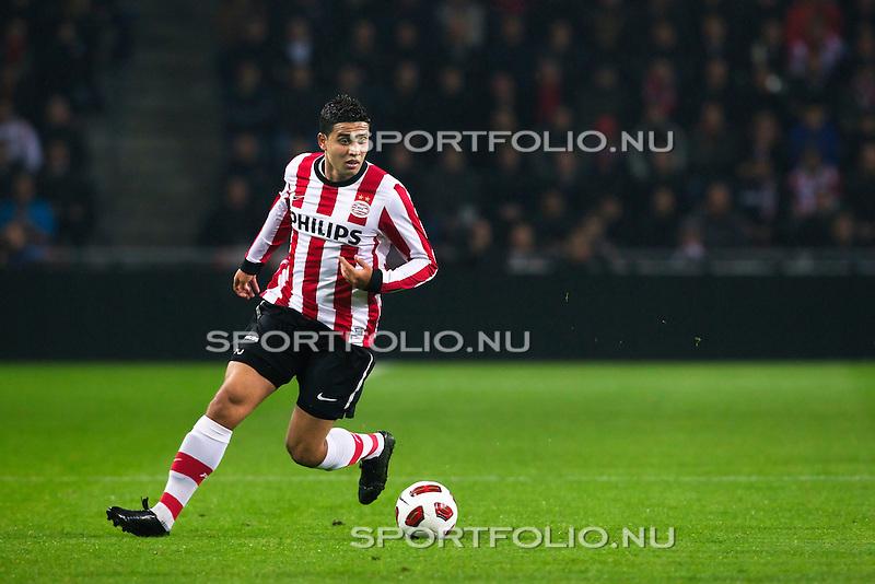 Nederland, 30 oktober 2010.Eredivisie.Seizoen 2010-2011.PSV-FC Twente (0-1).Jonathan Reis van PSV in actie met de bal