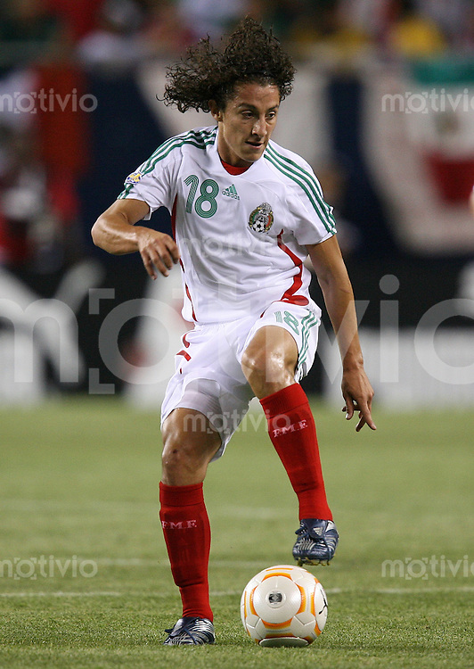 Fussball International Gold Cup Halbfinale  Guadeloupe 0-1 Mexico Jose Andres Guardado (MEX)