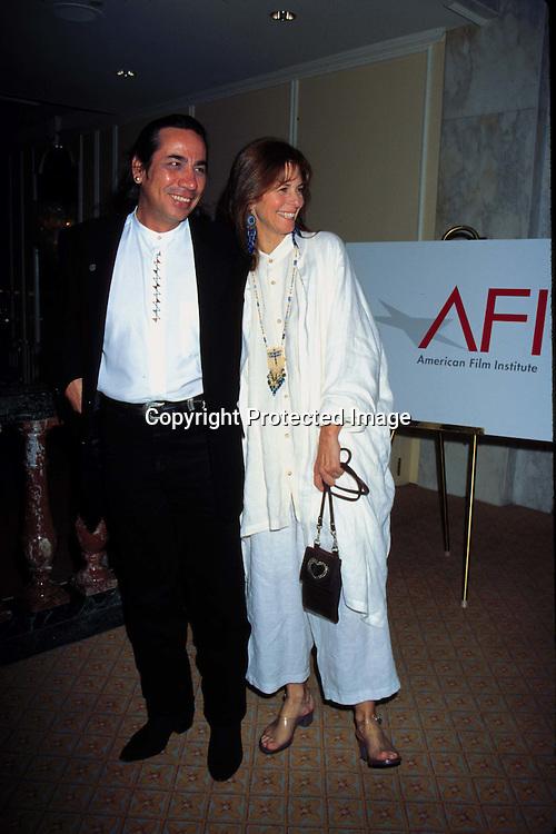 "©KATHY HUTCHINS/HUTCHINS.9/18/97 "" AFIA TRIBUTE TO MATTHAU FAMILY"".GEORGE AMIOTTE & LINDSEY WAGNER"