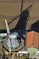 Windmuehle in Schoenningstedt bei Hamburg: EUROPA, DEUTSCHLAND, SCHLESWIG- HOLSTEIN,(EUROPE, GERMANY), 20.02.2012: Windmuehle in Schönningstedt ein Ortsteil der Stadt Reinbek im schleswig-holsteinischen Kreis Stormarn.