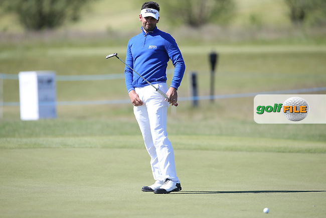 Lee Slattery (ENG) putting to hold his R1 score during Round Two of the 2015 Nordea Masters at the PGA Sweden National, Bara, Malmo, Sweden. 05/06/2015. Picture David Lloyd | www.golffile.ie