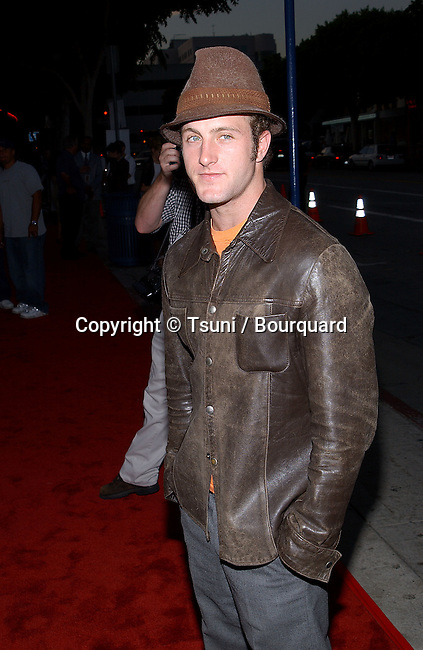 Scott Caan arriving at the  premiere of American Outlaws at the Mann Village Theatre in Los Angeles August 14, 2001             -            CaanScott02.jpg