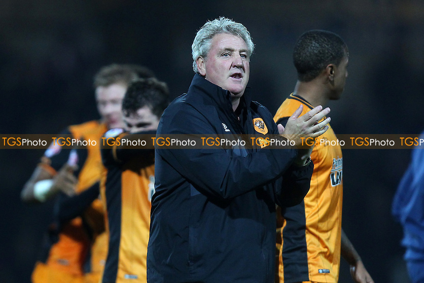 Hull City manager Steve Bruce celebrates at the final whistle during Brentford vs Hull City, Sky Bet Championship Football at Griffin Park