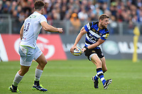 Rhys Priestland of Bath Rugby looks to pass the ball. Aviva Premiership match, between Bath Rugby and Saracens on September 9, 2017 at the Recreation Ground in Bath, England. Photo by: Patrick Khachfe / Onside Images