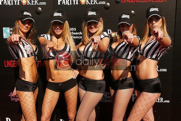 Referees Jerilee Villanueva, Tabitha Taylor, Julia Spragg, Holly Lei and Natalie Matthews