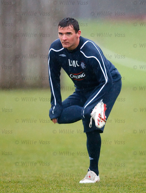Lee McCulloch looking like a stork