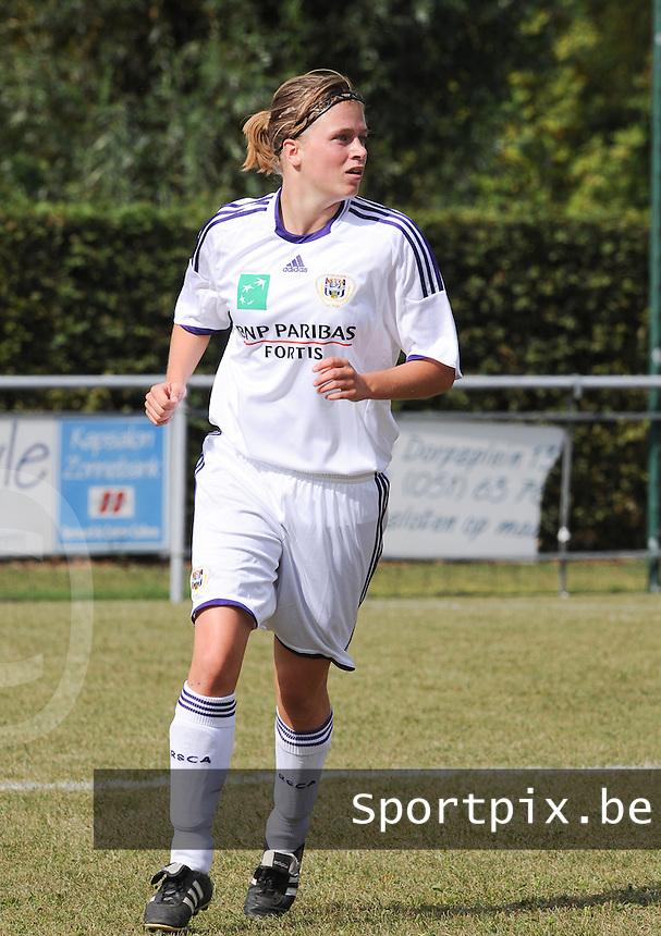 RSC Anderlecht : Caroline Berrens.foto DAVID CATRY / Vrouwenteam.be