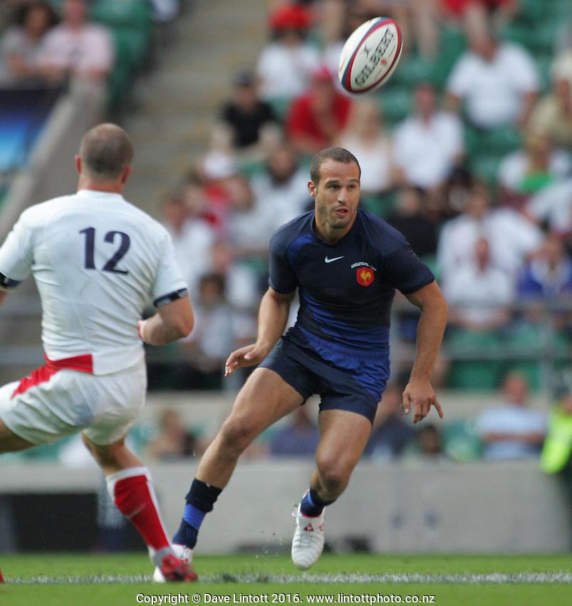 .England v France. International Rugby Union. Twickenham, London, England. Saturday 11 August 2007. Photo: Dave Lintott/PHOTOSPORT