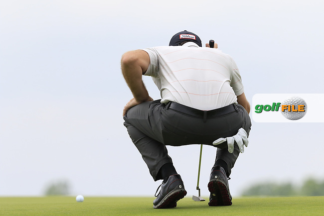 Geoff Ogilvy (AUS) lines up his putt on the 3rd green during Friday's Round 1 of the 2016 U.S. Open Championship held at Oakmont Country Club, Oakmont, Pittsburgh, Pennsylvania, United States of America. 17th June 2016.<br /> Picture: Eoin Clarke   Golffile<br /> <br /> <br /> All photos usage must carry mandatory copyright credit (&copy; Golffile   Eoin Clarke)