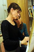 Scuola di nudo.School of Naked art painting.Insegnante Mariella  Letico.L' Università popolare di Roma si occupa della formazione permanente degli adulti. Fondata il 30 marzo 1987.Popular University of Rome is responsible for the adults education.Founded March 30 1987...