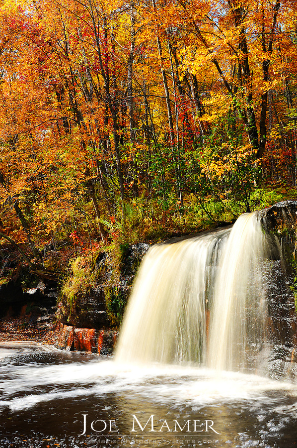 Autumns at Wold Creek Falls, Banning State park.