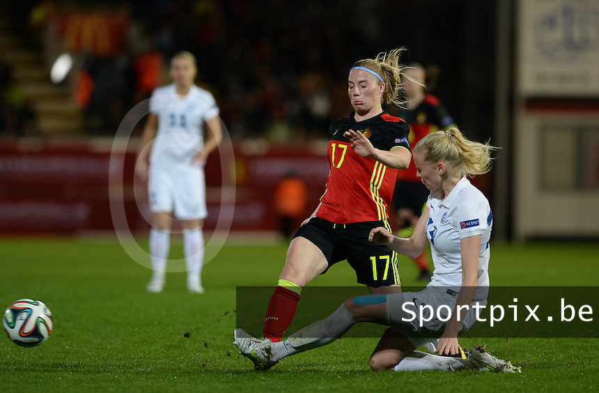 20160412 - LEUVEN ,  BELGIUM : Belgian Jana Coryn (left) pictured in a duel with Estonian Liis Lepik (right) during the female soccer game between the Belgian Red Flames and Estonia , the fifth game in the qualification for the European Championship in The Netherlands 2017  , Tuesday 12 th April 2016 at Stadion Den Dreef  in Leuven , Belgium. PHOTO SPORTPIX.BE / DAVID CATRY
