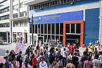 SÃO PAULO, SP, 07.05.2015 - REINTEGRAÇÃO-UNESP - Universitários da Unesp durante ato que pede a reintegração dos 17 universitários que foram expulsos da Unesp de Araraquara, na rua Quirino de Andrade na região central da cidade de São Paulo nesta quinta-feira, (07). (Foto: Marcos Moraes/Brazil Photo Press)