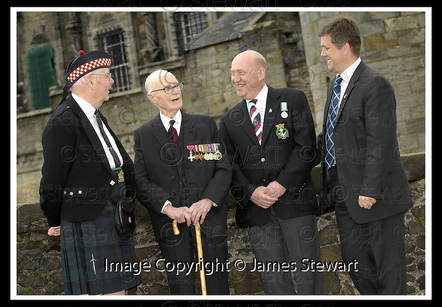 02/06/2008   Copyright Pic: James Stewart.File Name : sct_jspa04_veterans.FOUR WAR VETERANS HAVE A CHAT DURING THE VETERANS DAY EVENT LAUNCH AT STIRLING CASTLE... L TO R : BILL ANDERSON (ARGYLL & SUTHERLAND HIGHLANDERS), LIEUTENANT FRANK SAUNDERS, 101, (ROYAL ENGINEERS), IAN MCROBBIE (ROYAL NAVY) AND MSP KEITH BROWN (ARGYLL & SUTHERLAND HIGHLANDERS)..James Stewart Photo Agency 19 Carronlea Drive, Falkirk. FK2 8DN      Vat Reg No. 607 6932 25.Studio      : +44 (0)1324 611191 .Mobile      : +44 (0)7721 416997.E-mail  :  jim@jspa.co.uk.If you require further information then contact Jim Stewart on any of the numbers above........