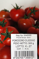 Etichette che descrivono la tracciabilità e la provenienza di un prodotto.Labels that describe the traceability and the provenance of a product..