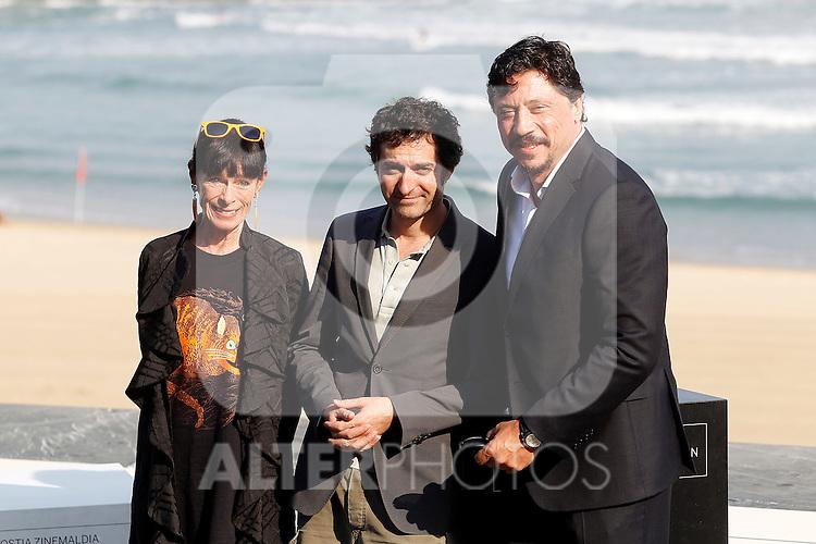 French film director Mathieu Demy (c) with the actors Geraldine Chaplin (l) and Carlos Bardem during the 59th San Sebastian Donostia International Film Festival - Zinemaldia.September 23,2011.(ALTERPHOTOS/ALFAQUI/Acero)