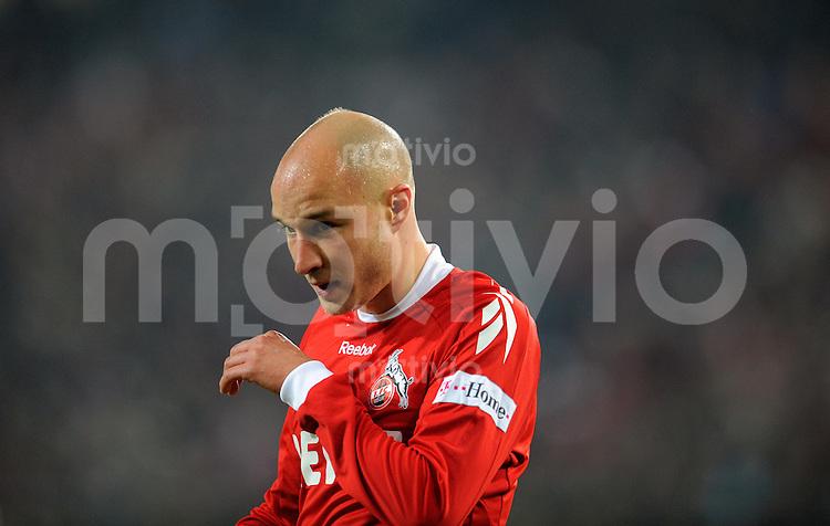 FUSSBALL   1. BUNDESLIGA   SAISON 2008/2009   6. SPIELTAG 1.FC Koeln - FC Schalke 04          26.09.2008 Nemanja VUCICEVIC (Koeln), nachdenklich.