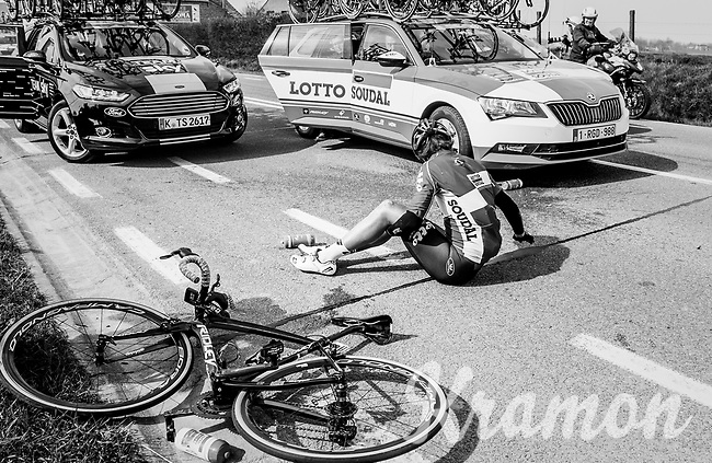Tony Gallopin (FRA/Lotto-Soudal) crashed<br /> <br /> 60th E3 Harelbeke (1.UWT)<br /> 1day race: Harelbeke &rsaquo; Harelbeke - BEL (206km)