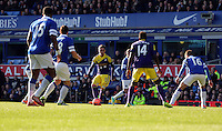 Pictured: Pablo Hernandez of Swansea (C). Sunday 16 February 2014<br />