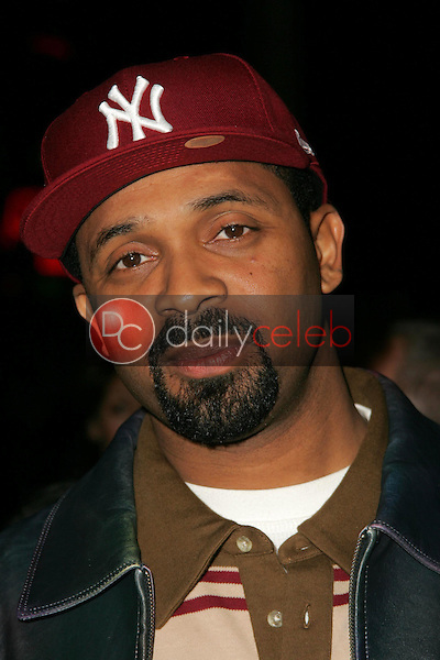Mike Epps<br />at the premiere of &quot;Something New&quot;. Cinerama Dome, Hollywood, CA 01-24-06<br />Dave Edwards/DailyCeleb.com 818-249-4998