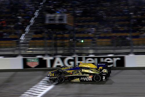 17-18 July, 2015, Newton, Iowa USA<br /> Ryan Briscoe battles Marco Andretti<br /> ©2015, Phillip Abbott<br /> LAT Photo USA
