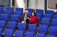 17. Sitzung des Deutschen Bundestag am Donnerstag den 1. Maerz 2018.<br /> Im Bild: Volker Kauder, Vorsitzender der CDU/CSU-Fraktion im Deutschen Bundestag (links) im Gespraech mit Andrea Nahles, Vorsitzende der SPD-Fraktion im Deutschen Bundestag (rechts).<br /> 1.3.2018, Berlin<br /> Copyright: Christian-Ditsch.de<br /> [Inhaltsveraendernde Manipulation des Fotos nur nach ausdruecklicher Genehmigung des Fotografen. Vereinbarungen ueber Abtretung von Persoenlichkeitsrechten/Model Release der abgebildeten Person/Personen liegen nicht vor. NO MODEL RELEASE! Nur fuer Redaktionelle Zwecke. Don't publish without copyright Christian-Ditsch.de, Veroeffentlichung nur mit Fotografennennung, sowie gegen Honorar, MwSt. und Beleg. Konto: I N G - D i B a, IBAN DE58500105175400192269, BIC INGDDEFFXXX, Kontakt: post@christian-ditsch.de<br /> Bei der Bearbeitung der Dateiinformationen darf die Urheberkennzeichnung in den EXIF- und  IPTC-Daten nicht entfernt werden, diese sind in digitalen Medien nach &sect;95c UrhG rechtlich geschuetzt. Der Urhebervermerk wird gemaess &sect;13 UrhG verlangt.]