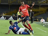 BOGOTA - COLOMBIA, 04-08-2018: Andres Felipe Roman (Izq) jugador de Millonarios disputa el balón con Elvis Mosquera (Der) jugador de Deportivo Independiente Medellín durante partido por la fecha 3 de la Liga Águila II 2018 jugado en el estadio Nemesio Camacho El Campin de la ciudad de Bogotá. / Andres Felipe Roman (L) player of Millonarios fights for the ball with Elvis Mosquera (R) player of Deportivo Independiente Medellin during the match for the date 3 of the Liga Aguila II 2018 played at the Nemesio Camacho El Campin Stadium in Bogota city. Photo: VizzorImage / Gabriel Aponte / Staff.