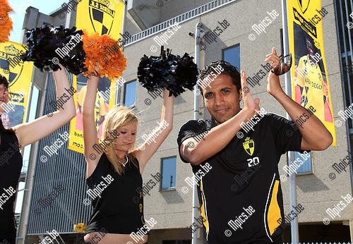 2010-06-24 / Voetbal / seizoen 2010-2011 / Fandag Lierse SK / Mohamed Abdel Wahed tijdens de ploegvoorstelling..Foto: mpics