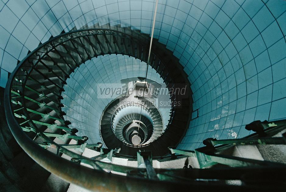 Europe/France/Bretagne/29/Finistère/Ile Vierge: le phare - intérieur, les escaliers en colimaçon