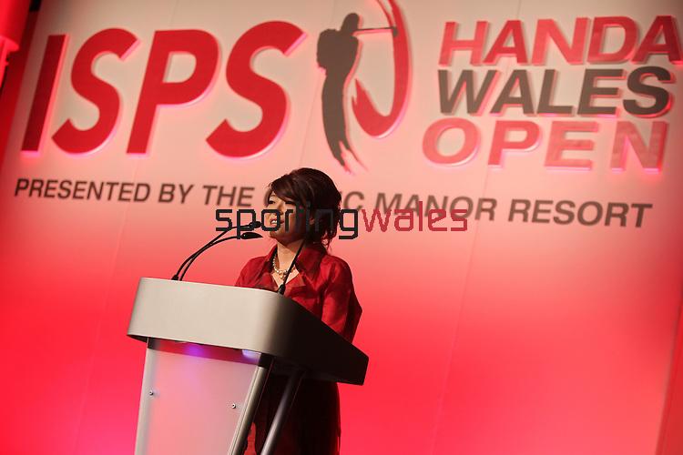 ISPS Handa Wales Open 2012.Midori Miyazaki from ISPS speaking at the gala dinner...29.05.12.©Steve Pope