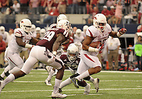 STAFF PHOTO BEN GOFF  @NWABenGoff -- 09/27/14 Arkansas running back Jonathan Williams runs for a touchdown in the first quarter of the Southwest Classic at AT&T Stadium in Arlington, Texas on Saturday September 27, 2014.