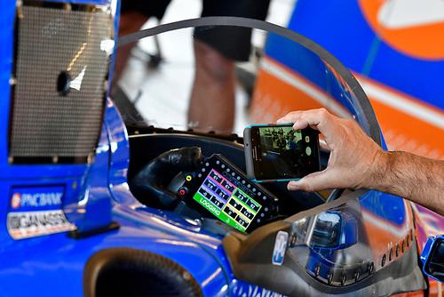 2018 Verizon IndyCar Series Phoenix testing<br /> Phoenix Raceway, Avondale, Arizona, USA<br /> Thursday 8 February 2018<br /> Scott Dixon, Chip Ganassi Racing Honda windscreen test<br /> World Copyright: Scott R LePage/LAT Images<br /> ref: Digital Image _SRL2959