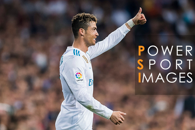 Cristiano Ronaldo of Real Madrid gives a thumbs-up during the La Liga 2017-18 match between Real Madrid and Athletic Club Bilbao at Estadio Santiago Bernabeu on April 18 2018 in Madrid, Spain. Photo by Diego Souto / Power Sport Images