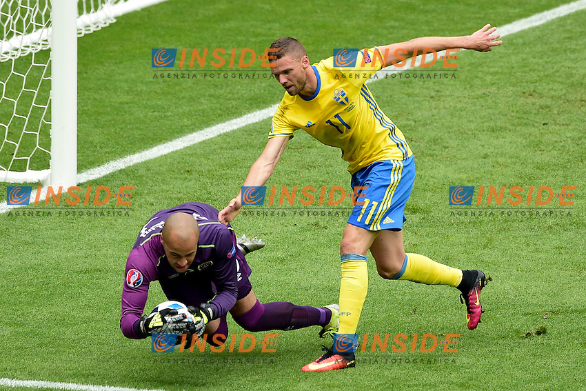 Marcus BERG (swe)  vs Darren RANDOLPH (irl)  <br /> Paris 13-06-2016 Stade de France Football Euro2016 Ireland - Sweden / Irlanda - Svezia Group Stage Group E. Foto JB Autissier Panoramic / Insidefoto