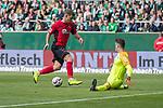 13.04.2019, Weser Stadion, Bremen, GER, 1.FBL, Werder Bremen vs SC Freiburg, <br /> <br /> DFL REGULATIONS PROHIBIT ANY USE OF PHOTOGRAPHS AS IMAGE SEQUENCES AND/OR QUASI-VIDEO.<br /> <br />  im Bild<br /> Florian Niederlechner (SC Freiburg #7)<br /> Jiri Pavlenka (Werder Bremen #01)<br /> <br /> <br /> Foto &copy; nordphoto / Kokenge
