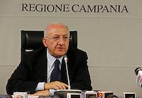Vincenzo De Luca , presidente della regione Campania , tiene la sua prima conferenza stampa da Governatore presso la sede della Giunta Regionale