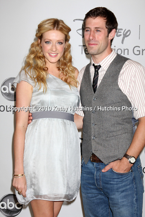 LOS ANGELES - AUGUST 1:  Jennifer Finnigan & Josh Cooke arrive(s) at the 2010 ABC Summer Press Tour Party at Beverly Hilton Hotel on August 1, 2010 in Beverly Hills, CA...