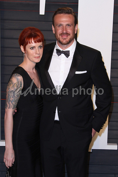 28 February 2016 - Beverly Hills, California - Jason Segel, Alexis Mixter. 2016 Vanity Fair Oscar Party hosted by Graydon Carter following the 88th Academy Awards held at the Wallis Annenberg Center for the Performing Arts. Photo Credit: AdMedia