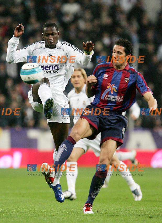 Real Madrid's Mahamadou Diarra against Levante's Diego Camacho during Spain's La Liga match at Santiago Bernabeu stadium in Madrid, Sunday February 04, 2007. (INSIDE/ALTERPHOTOS/Alvaro Hernandez).